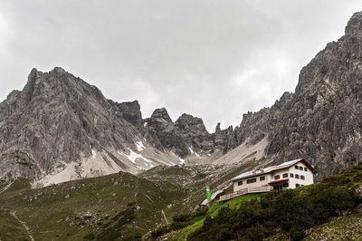 Steinseehütte 2 061m
