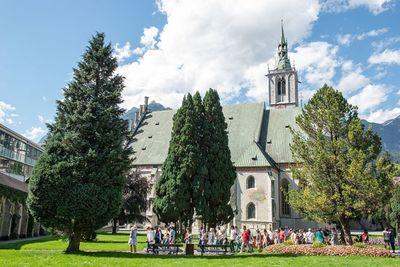 THURSDAY: Guided city tour through Schwaz 1