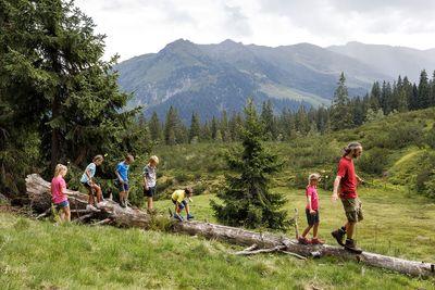 MONDAY: Adventurous hike on Loassattel (Family Day) 3