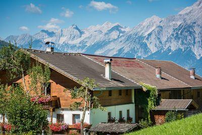 Floachhof mit Karwendelgebirge